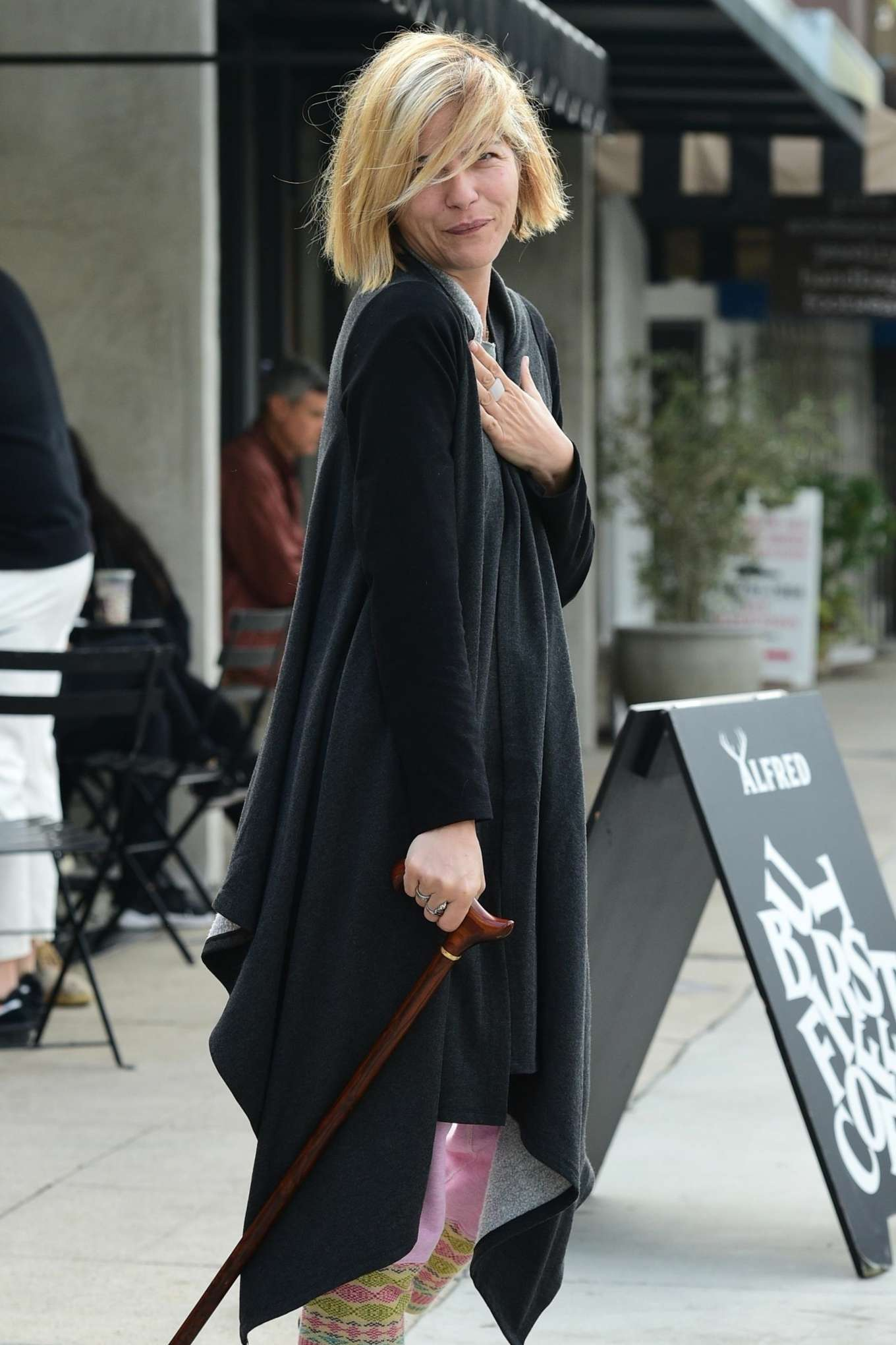 Selma Blair 2019 : Selma Blair: Out for coffee at Alfreds Coffee -05