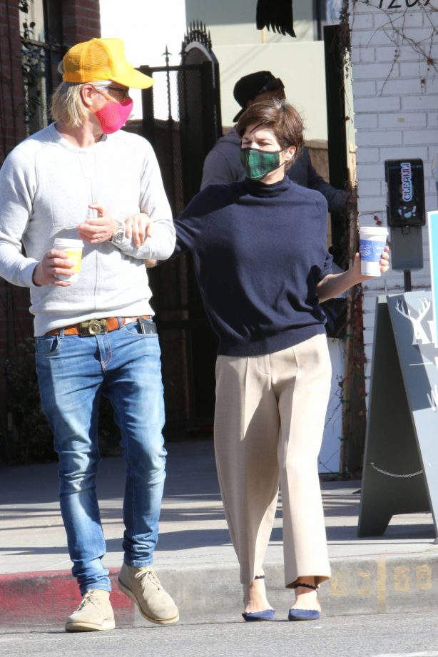 Selma Blair - Out with Ron Carlson in Los Angeles