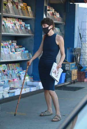 Selma Blair - Shop for magazines at home in Los Angeles