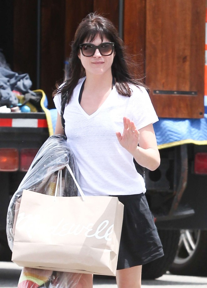 Selma Blair Shopping at Madewell in Beverly Hills