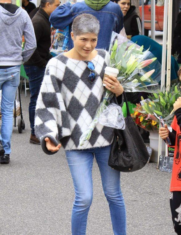 Selma Blair - Shopping candids at Farmers Market in Studio City