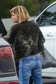 Selma Blair - Takes her son to tennis practice in Beverly Hills