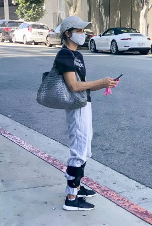 Selma Blair - Wears leg braces as she leaves a medical building in Los Angeles