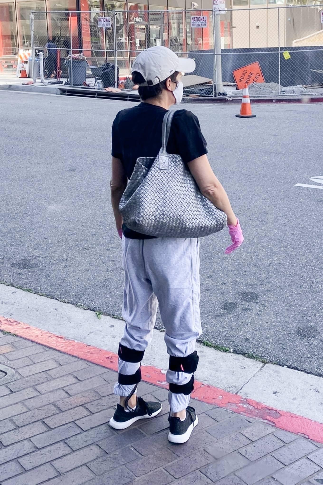 Selma Blair 2020 : Selma Blair – Wears leg braces as she leaves a medical building in Los Angeles-03