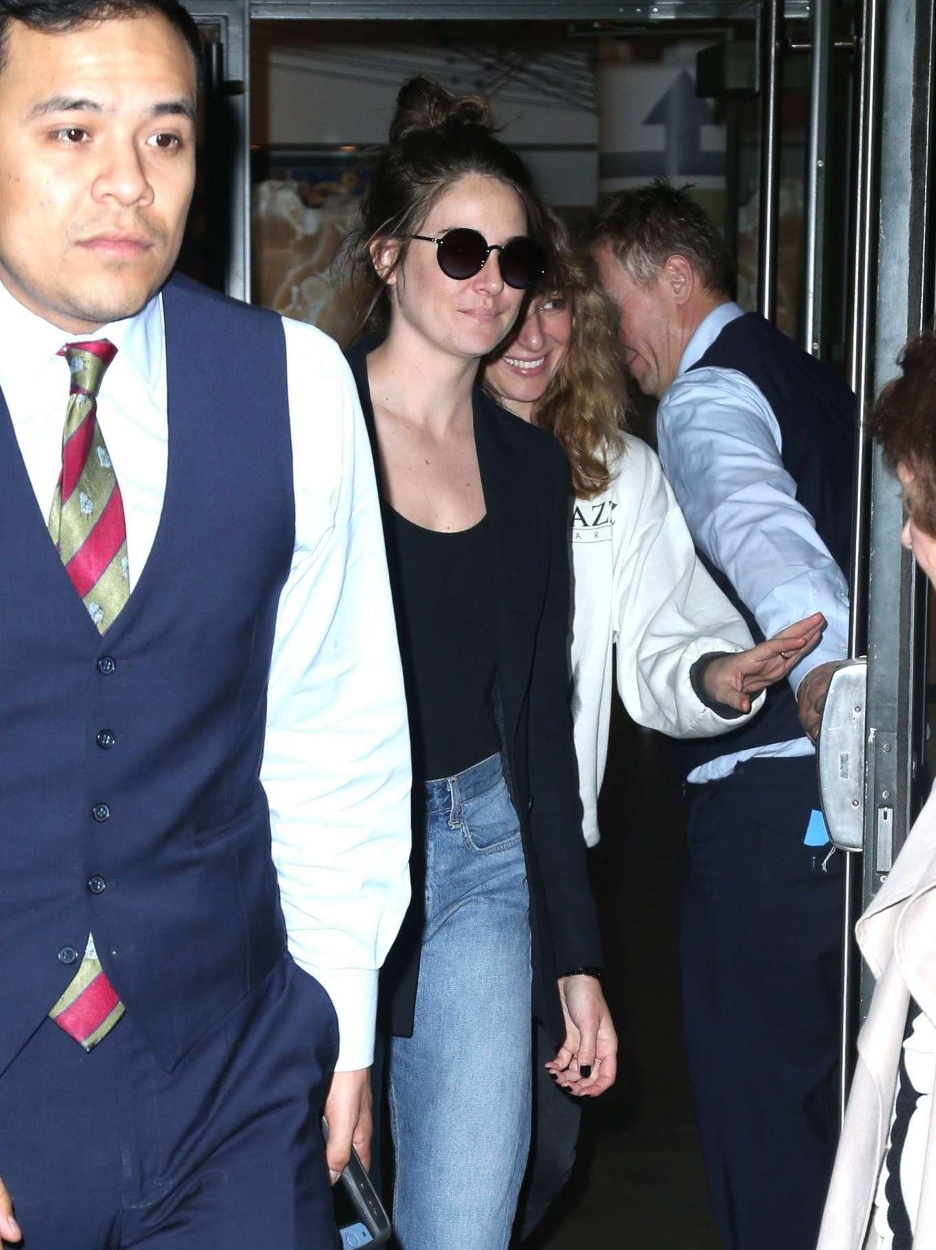 Shailene Woodley 2019 : Shailene Woodley in a Blue Blazer and Jeans-01