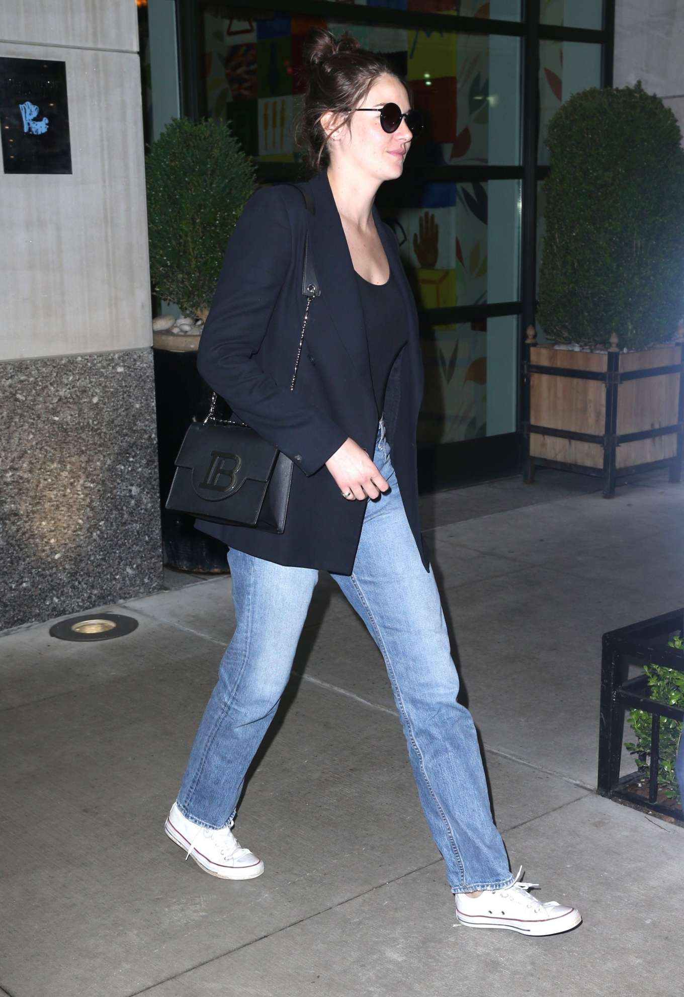 Shailene Woodley 2019 : Shailene Woodley in a Blue Blazer and Jeans-05