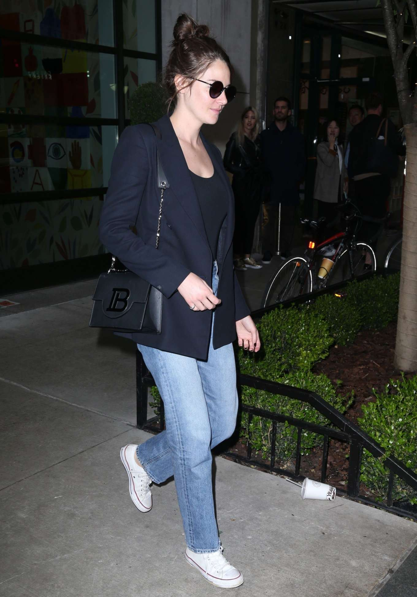 Shailene Woodley 2019 : Shailene Woodley in a Blue Blazer and Jeans-06