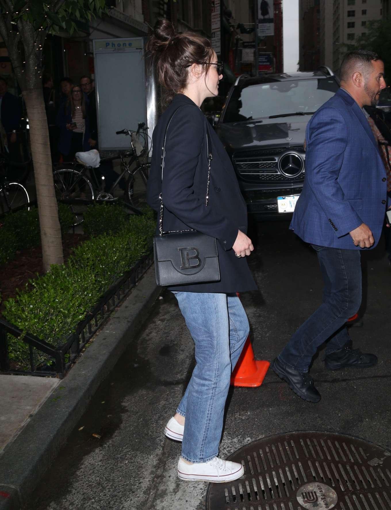 Shailene Woodley 2019 : Shailene Woodley in a Blue Blazer and Jeans-14