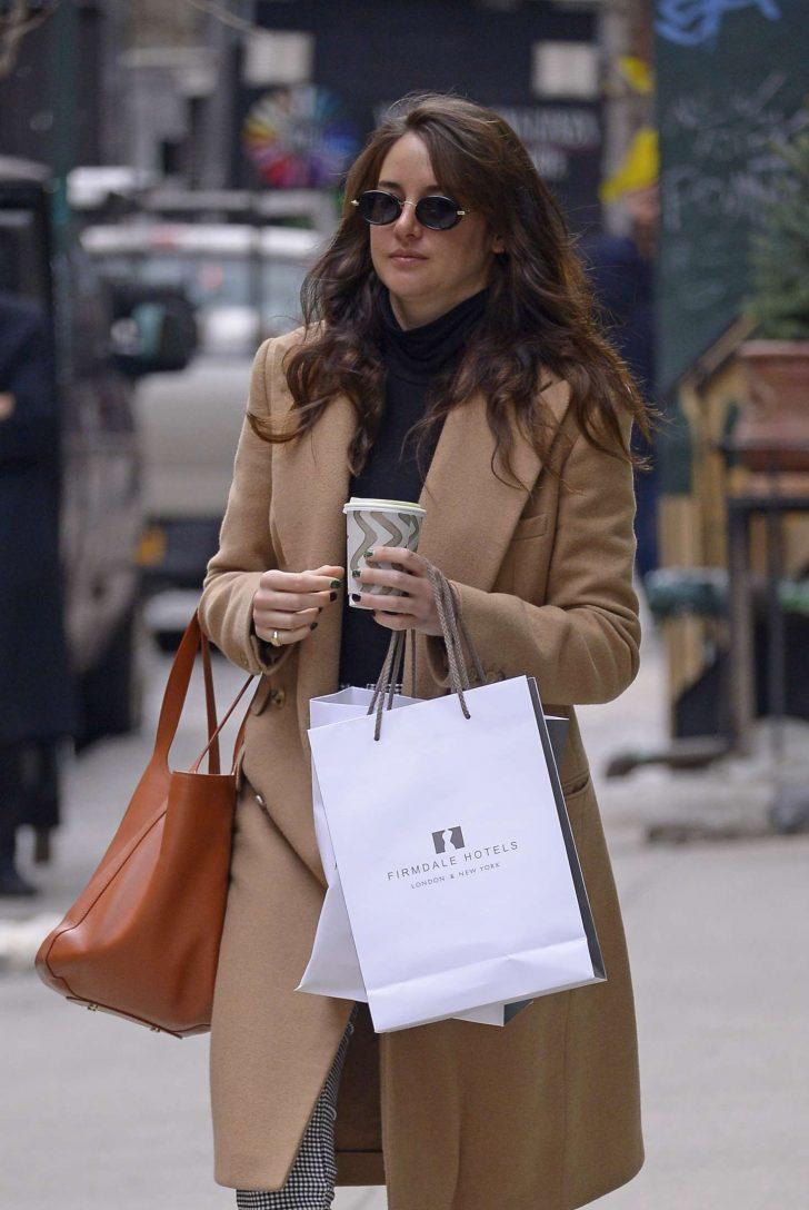 Shailene Woodley in Brown Coat -06