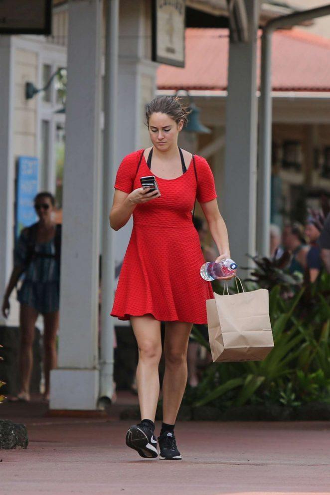Shailene Woodley in Red Mini Dress -09