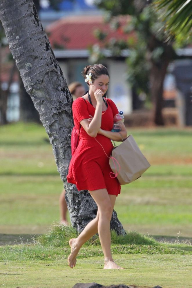 Shailene Woodley in Red Mini Dress -19