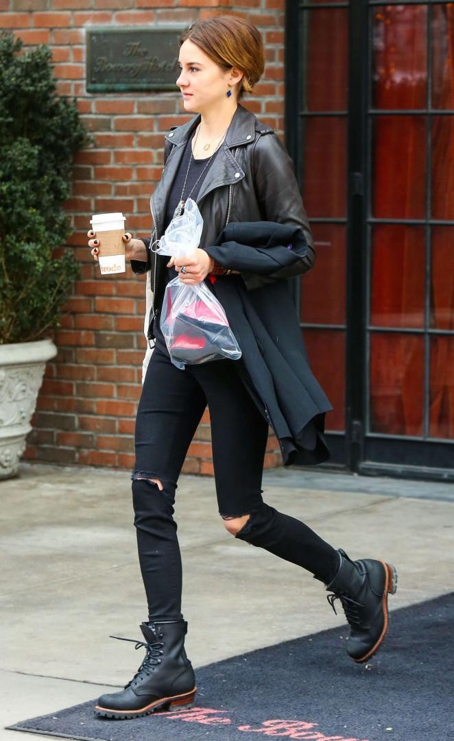 Shailene Woodley in Jeans Leaving her hotel in NYC