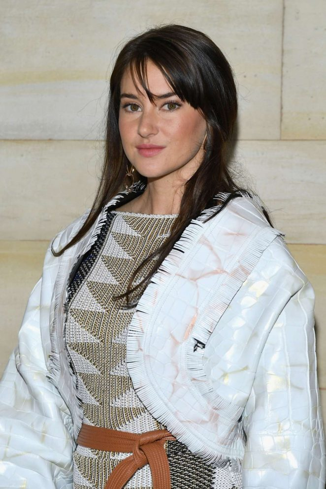 Shailene Woodley - Louis Vuitton Fashion Show in Paris
