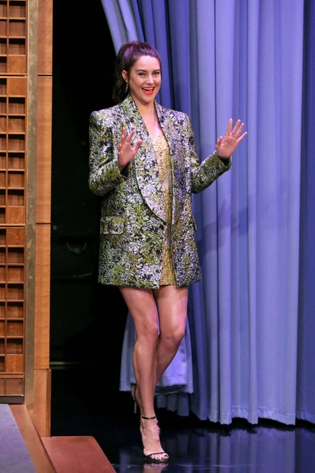 Shailene Woodley: On The Tonight Show Starring Jimmy Fallon-06