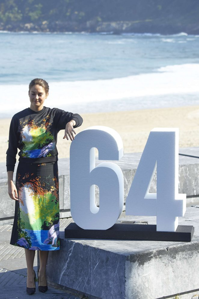 Shailene Woodley: Snowden Photocall at 64th SSIFF -20