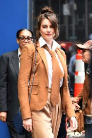 Shailene Woodley - Visits Good Morning America in New York City