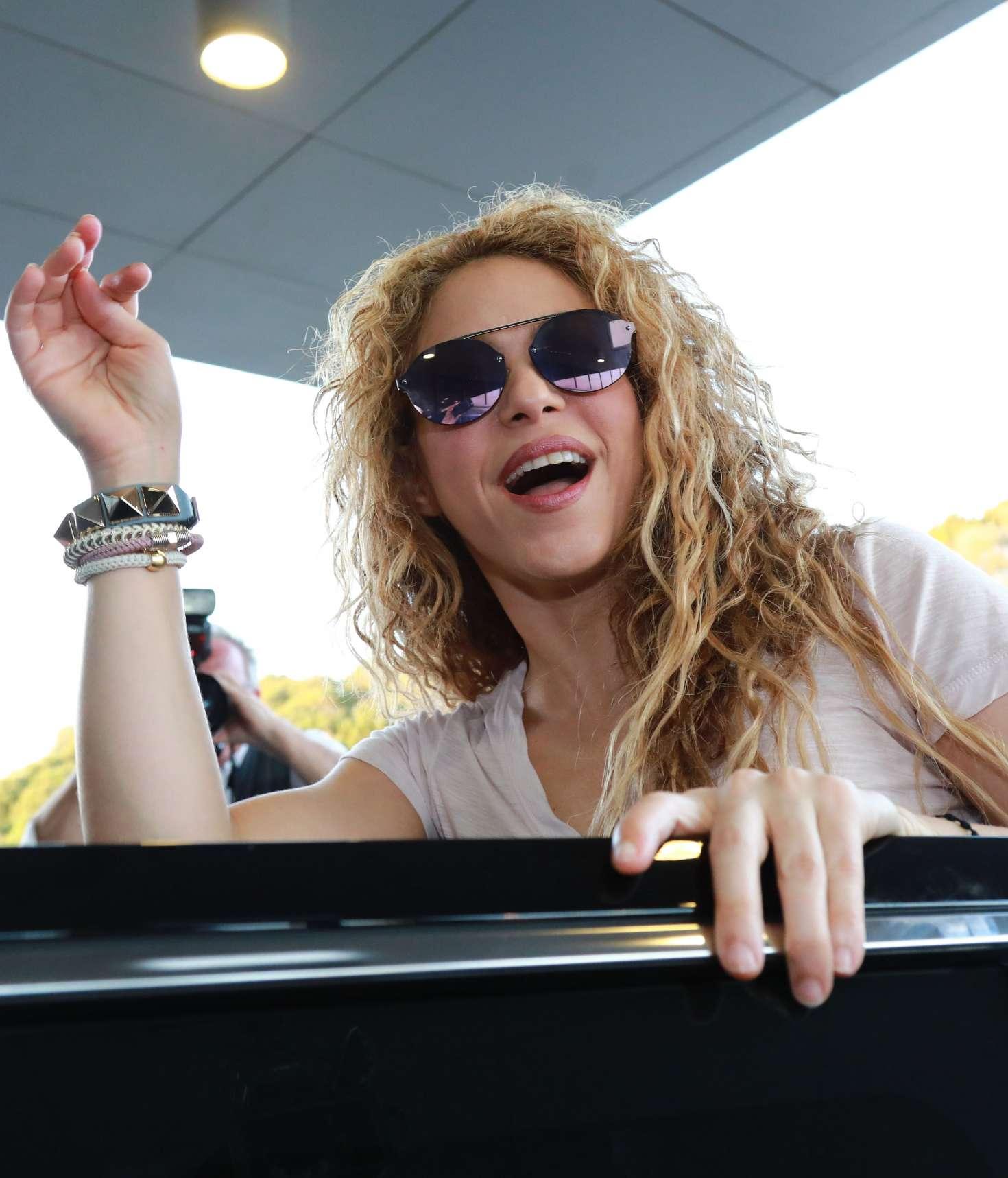 Shakira - Arrives at Beirut Airport in Lebanese
