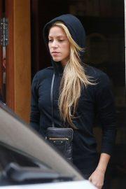 Shakira - Leaving a beauty salon in Barcelona