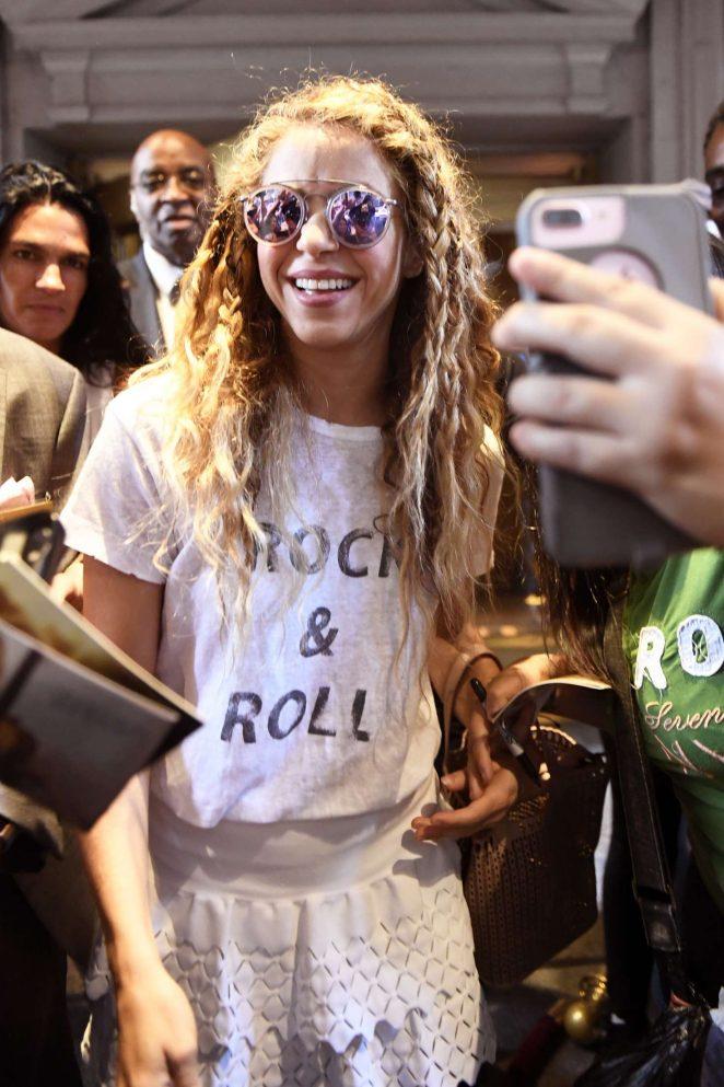 Shakira - Leaving her hotel in New York City