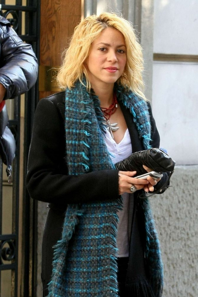 Shakira – Out in Barcelona