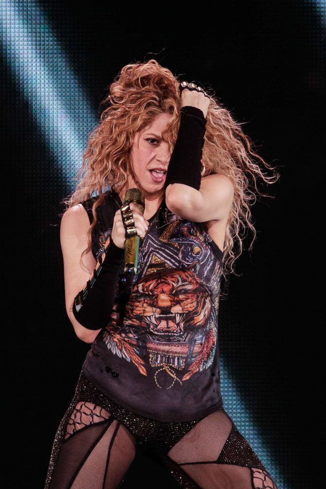 Shakira - Performing at 'El Dourado Tour' in Bordeaux
