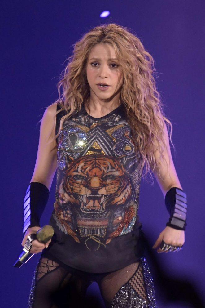 Shakira - Performs live on 'El Dorado World Tour' in Madrid