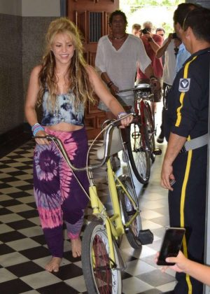 Shakira - Promoting new single La Bicicleta in Colombia