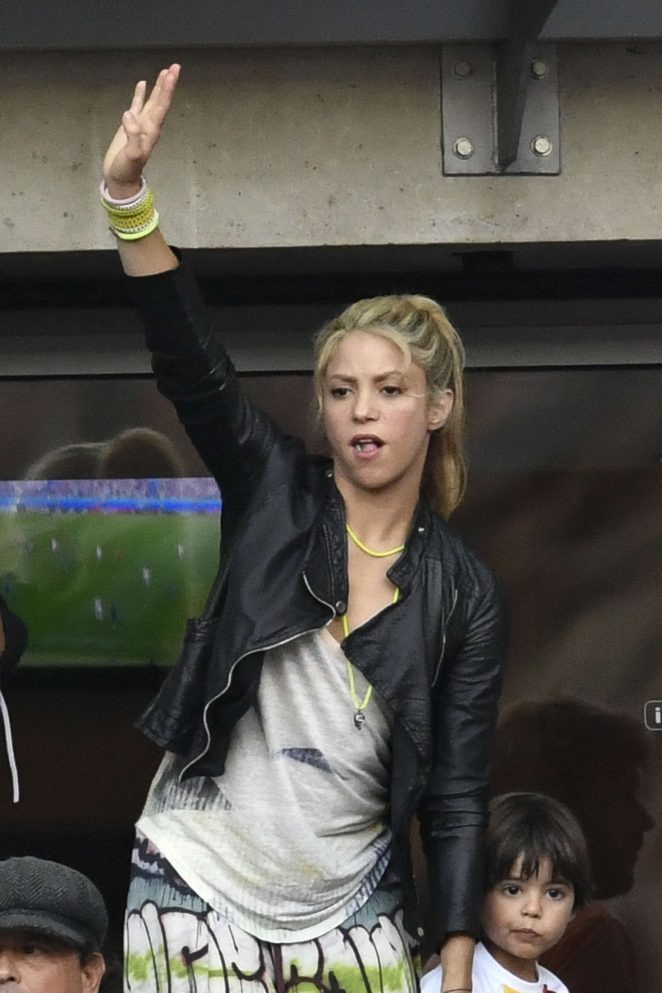 Shakira - Spain Vs Italy Football Match in Paris