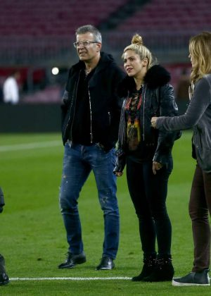 Shakira With Her Husband Gerard Pique At Camp Nou Stadium