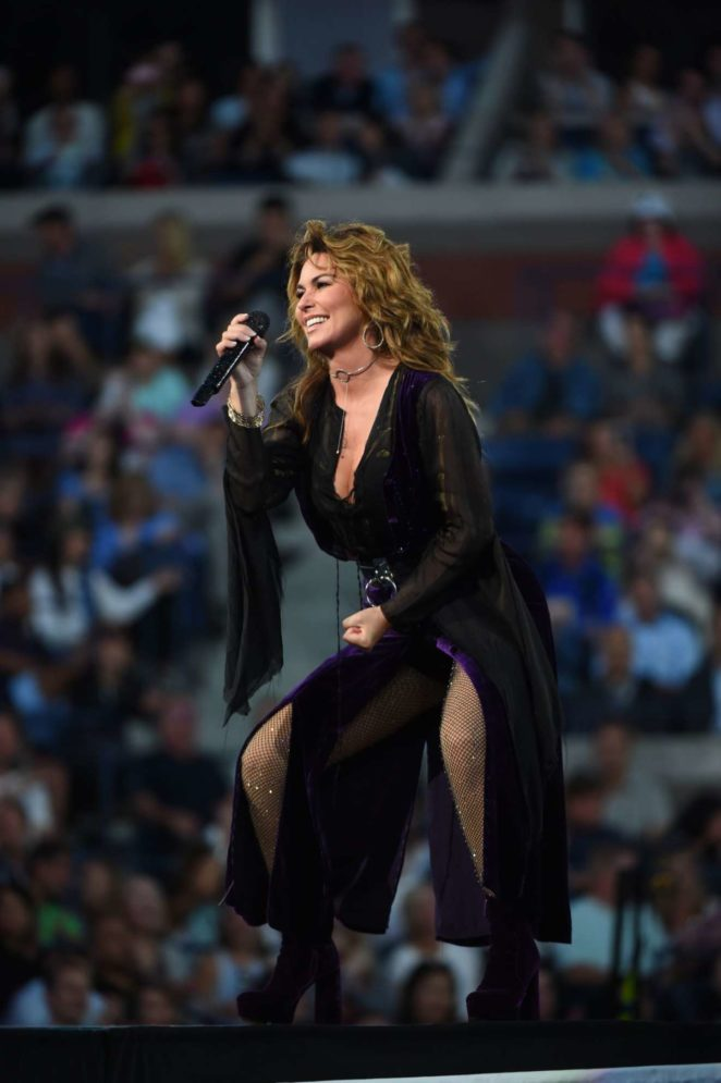 Shania Twain – Performs at Tennis US Open 2017