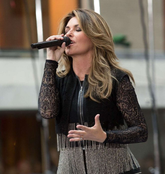 Shania Twain: Performs on NBC Today Show Summer Concert Series -02
