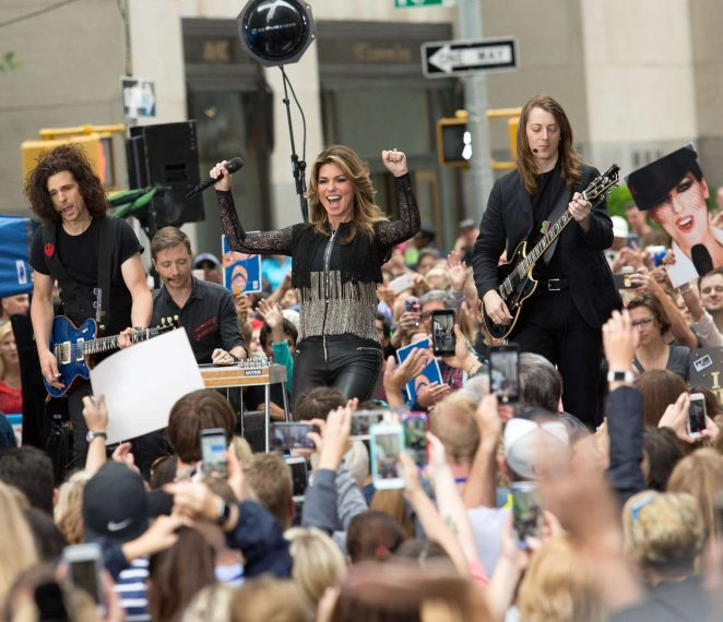 Shania Twain: Performs on NBC Today Show Summer Concert Series -08