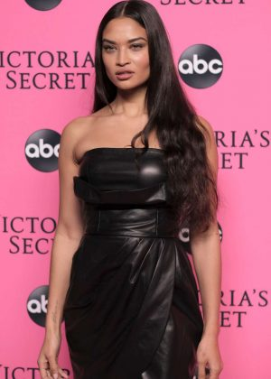 Shanina Shaik - 2018 Victoria's Secret Viewing Party in New York