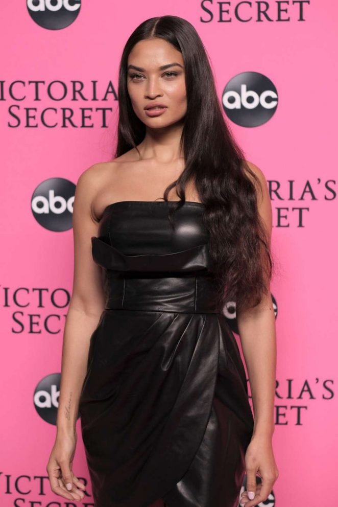 Shanina Shaik – 2018 Victoria's Secret Viewing Party in New York