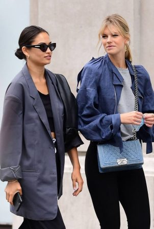 Shanina Shaik and Nadine Leopold - Shopping candids on Oxford Street in Central London