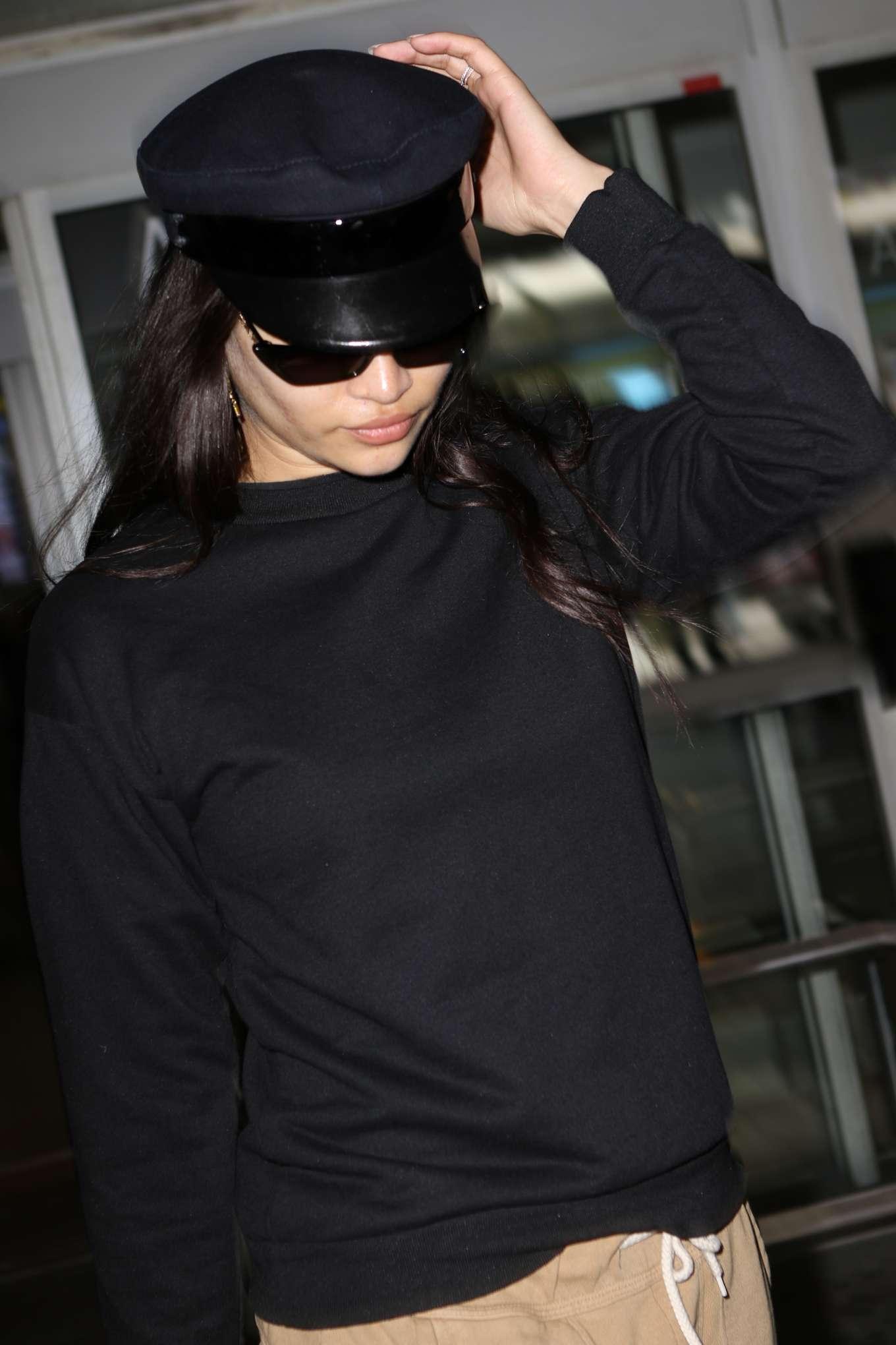 Shanina Shaik 2019 : Shanina Shaik: Arrives at Nice Airport-02