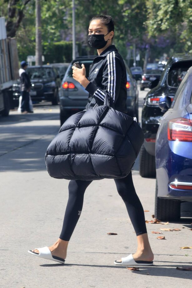 Shanina Shaik - Brings an oversized quilted puffy tote to the gym in West Hollywood