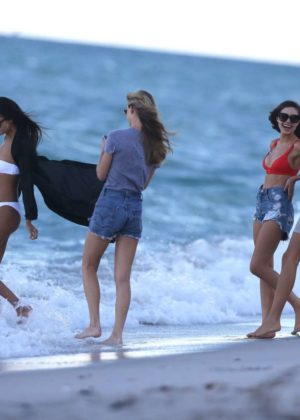 Shanina Shaik Caroline Lowe Olivia Culpo and Daniela Braga in Bikini Photoshoot in Miami Beach Pics 6 of 35