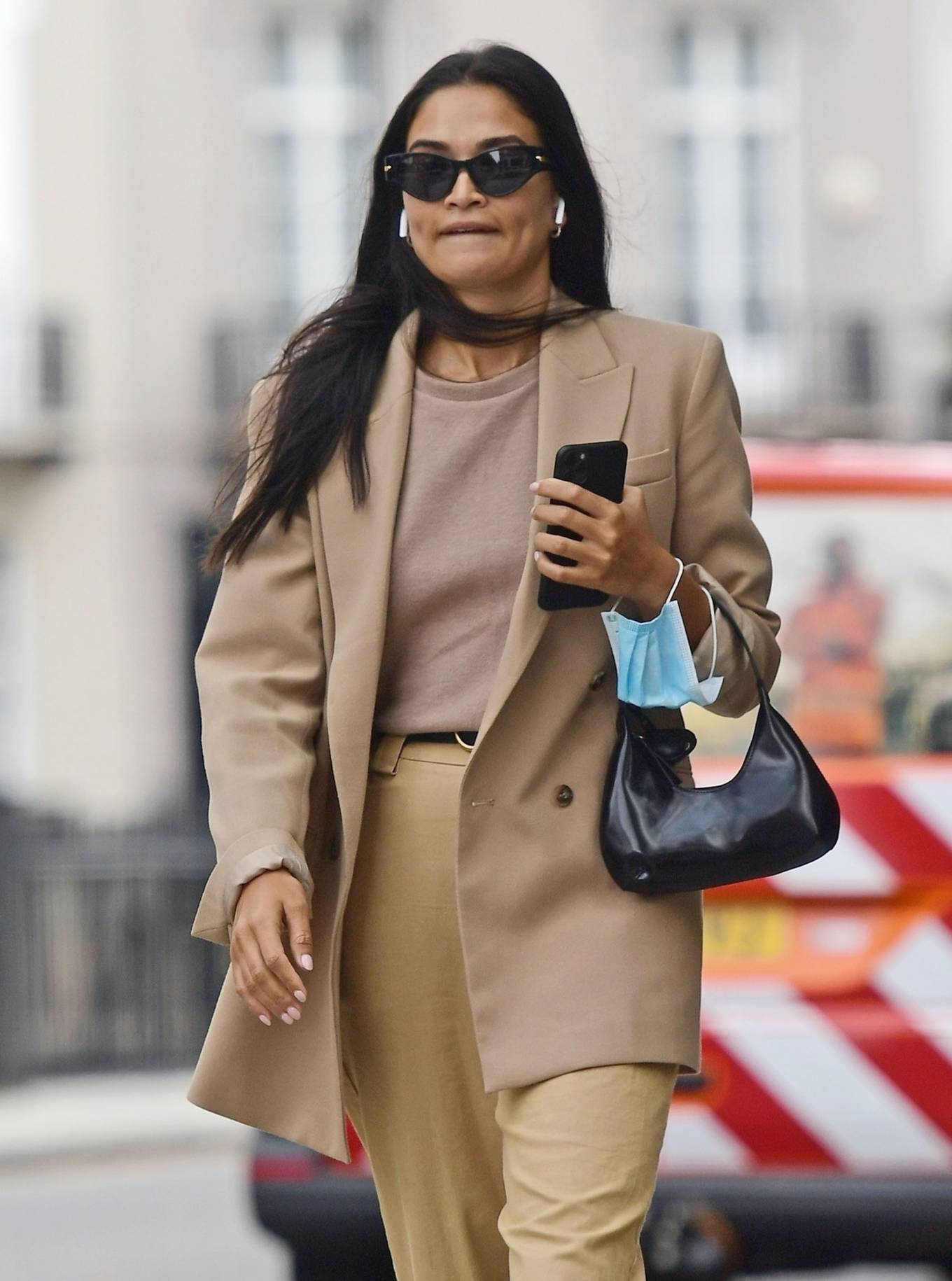Shanina Shaik 2020 : Shanina Shaik – Stylish in her beige trousers and jacket while out in London-01