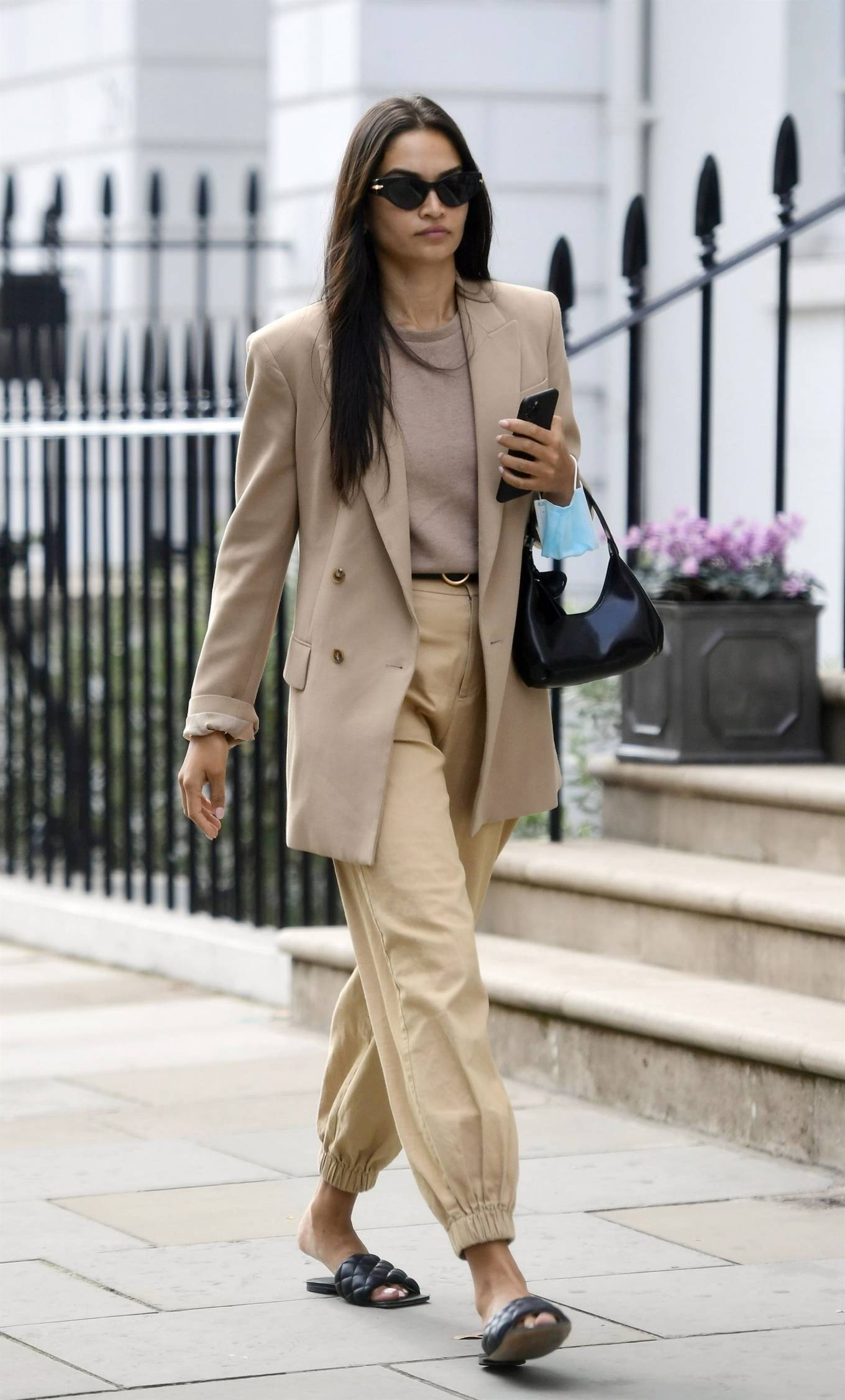 Shanina Shaik 2020 : Shanina Shaik – Stylish in her beige trousers and jacket while out in London-03