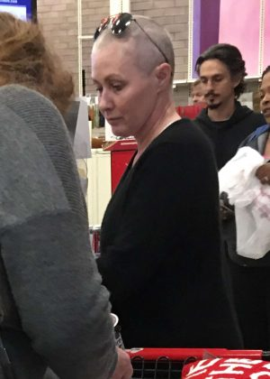 Shannen Doherty at Christmas Shopping in West Hills