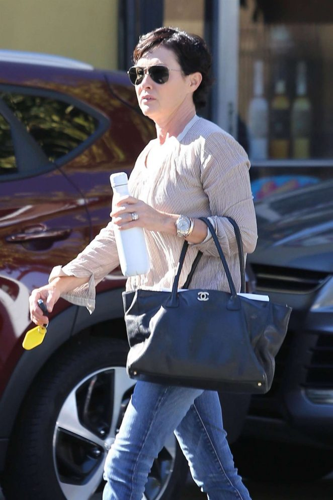 Shannen Doherty at The PetStaurant in Sherman Oaks