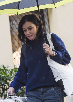 Shannen Doherty - Leaving her hotel in Rome
