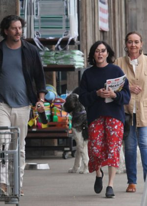 Shannen Doherty - Shopping at vintage market in Malibu