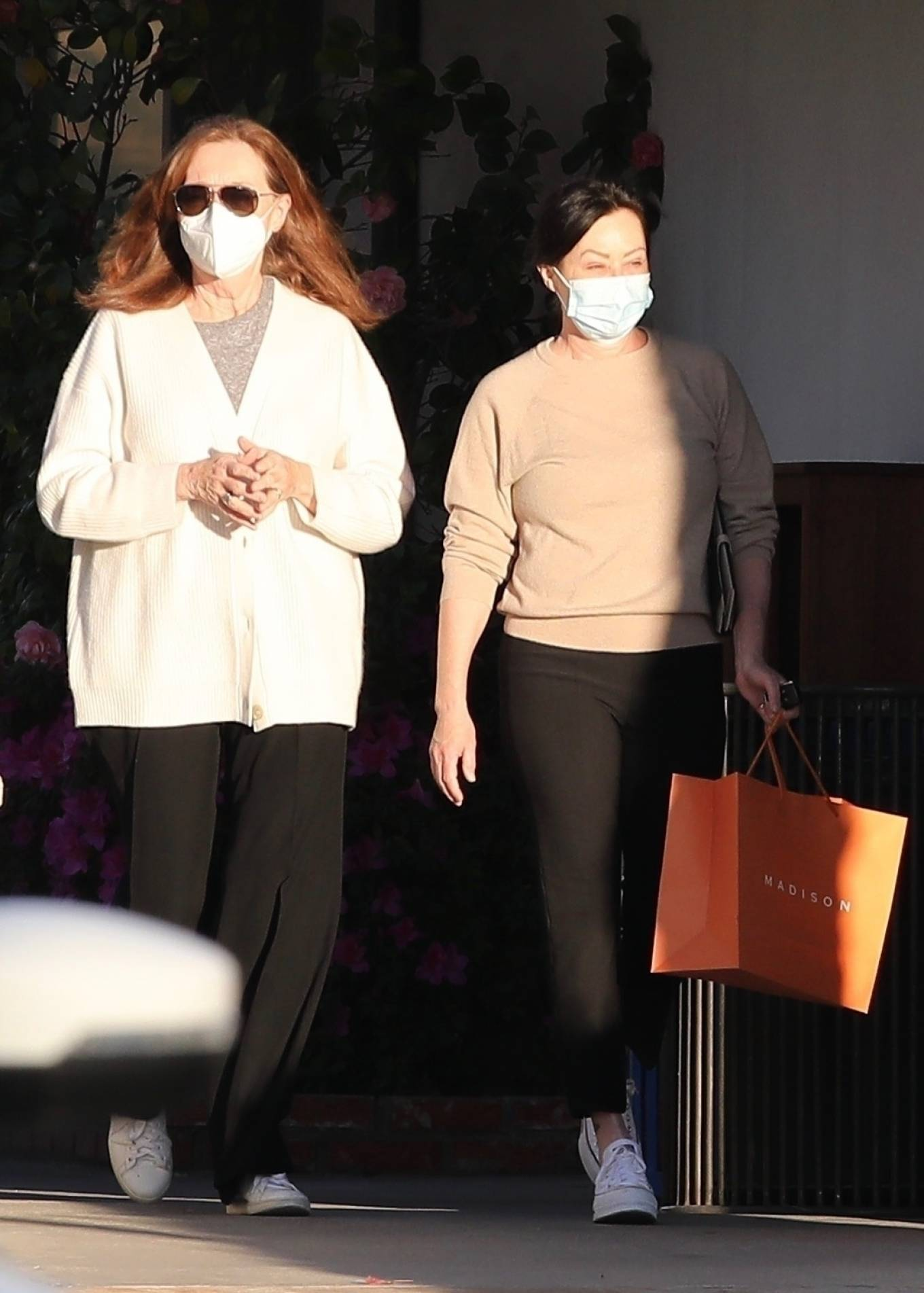 Shannen Doherty - With her mother Rosa Elizabeth shopping in Malibu