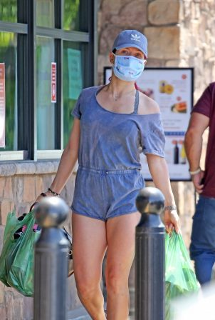 Sharna Burgess in Shorts - Shopping in Los Feliz