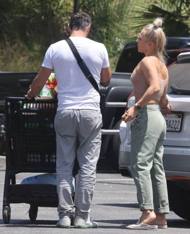 Sharna Burgess - With Brian Austin Green shopping at Ralphs in Malibu
