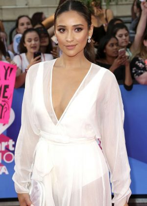 Shay Mitchell - 2017 iHeartRadio MuchMusic Video Awards in Toronto