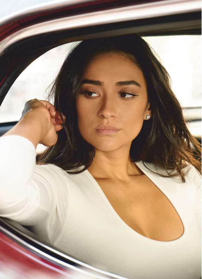 Shay Mitchell – Accion Cine-Video Magazine (January 2019)