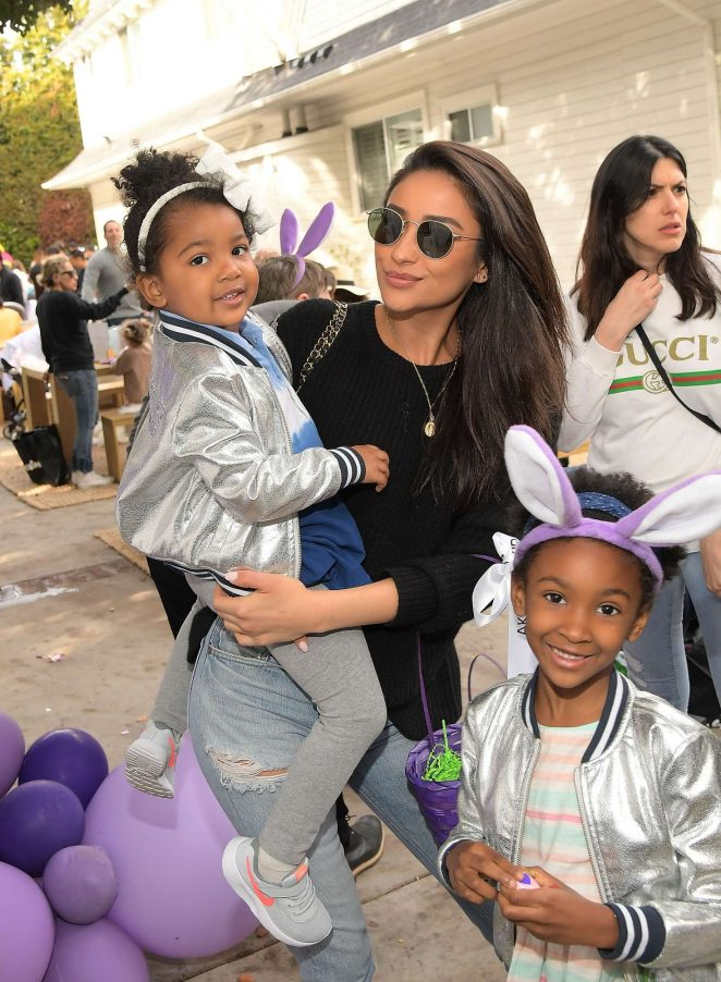 Shay Mitchell - AKID Brand's 3rd Annual 'The Egg Hunt' in Los Angeles
